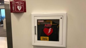 Mengenal Perbedaan AED & Defibrillator